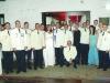 Os noivos com amigos e colegas