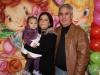 Chiara com os dindos Janice Lolito e Ademir Gonzales
