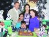 Eduardo, os tios Sérgio e Silvia, e as primas Letícia e Gabriele