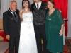 Los novios junto a los padres de la novia