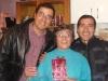 Danilo y Eduardo , homenajean a su madre con regalos y mucho amor