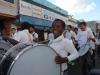 Banda da escola Olavo Bilac ditou o ritmo da caminhada